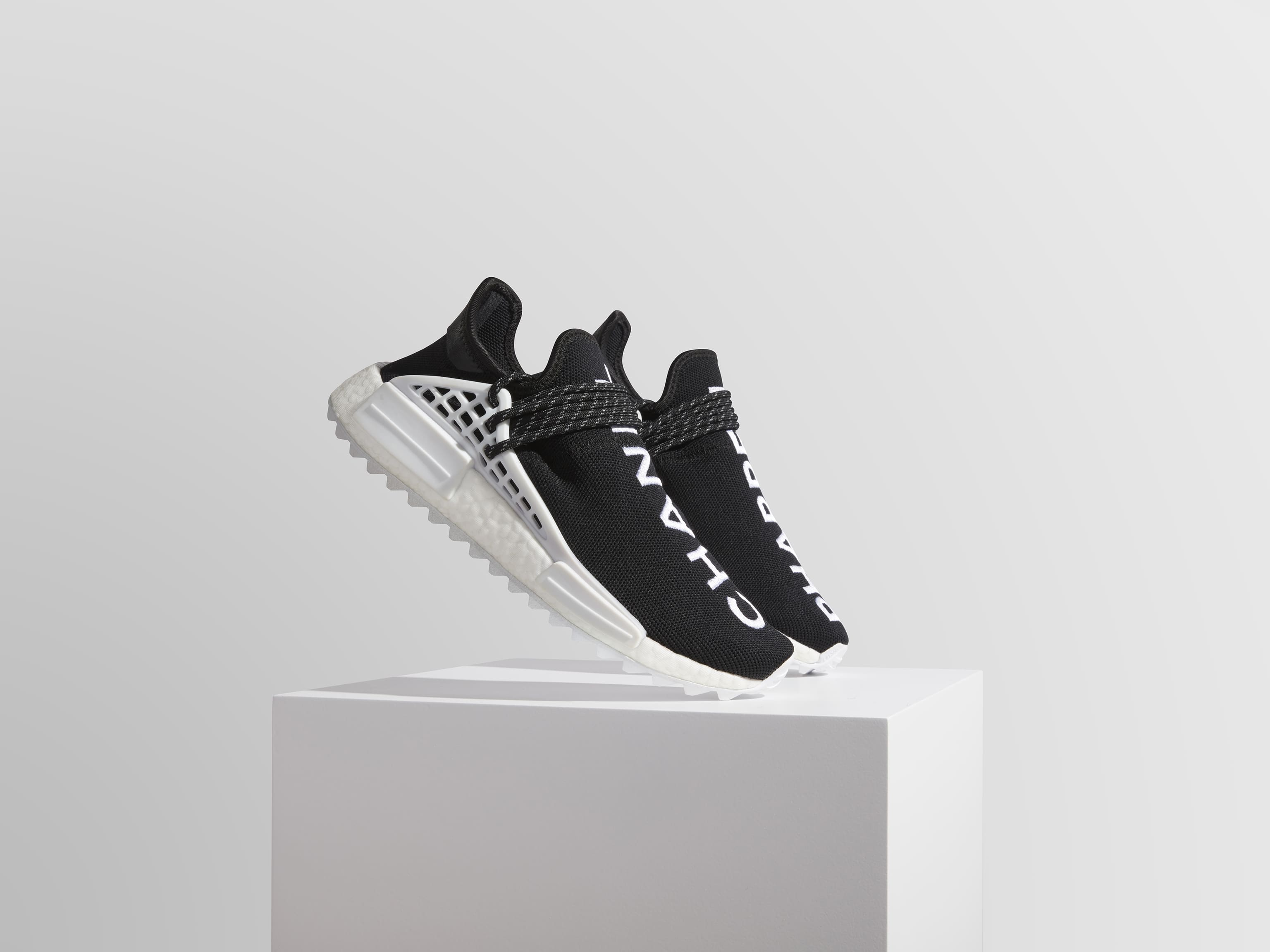 Adidas Chanel x Pharrell FA0042_Collection.jpg