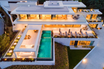 Villa Sienna in the exclusive gated urbanisation of El Madronal