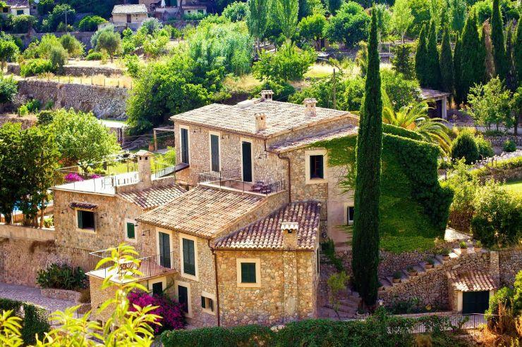 €11 million international development loan on luxury villa estate in Ramatuelle